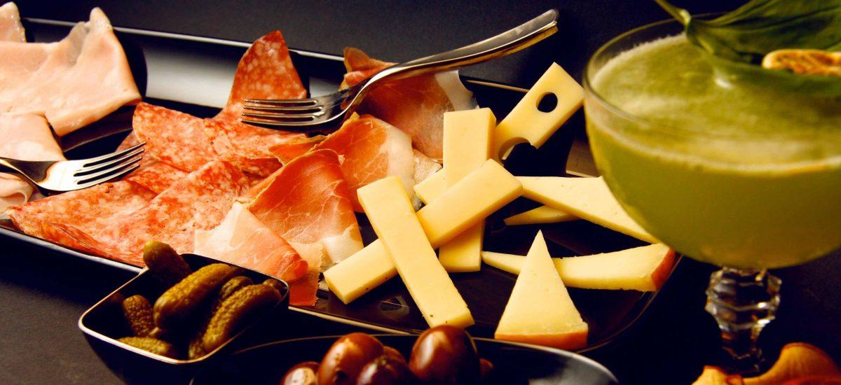 Aperitivo Fuk Firenze, salumi e formaggi